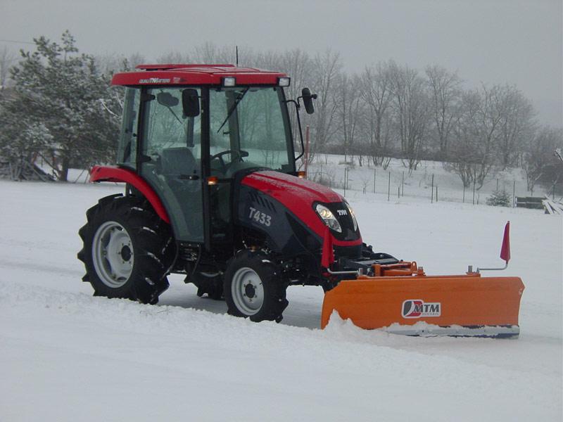 Уборка снега нивой 2121 с самодельной лопатой