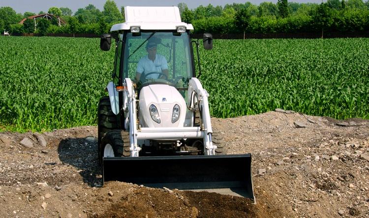 Продажа новых и б/у топливных баков для тракторов, купить.